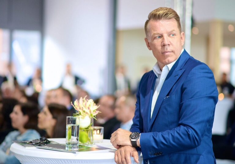 Axel Kahn Networking&Verlag